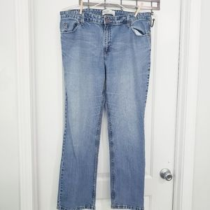 Levi Strauss Mid-rise boot cut jeans sz Misses 18